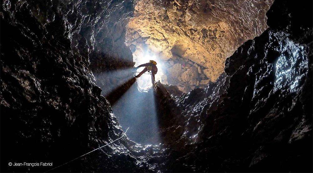 petzl-hedlamp-caving